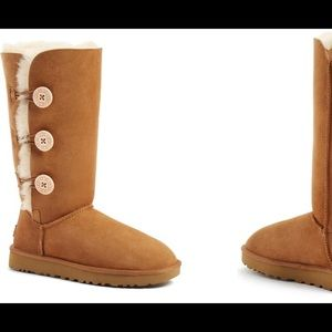 Ugg Tall Bailey w/ Buttons
